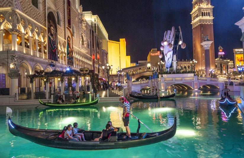 The Venetian Gondola Ambience